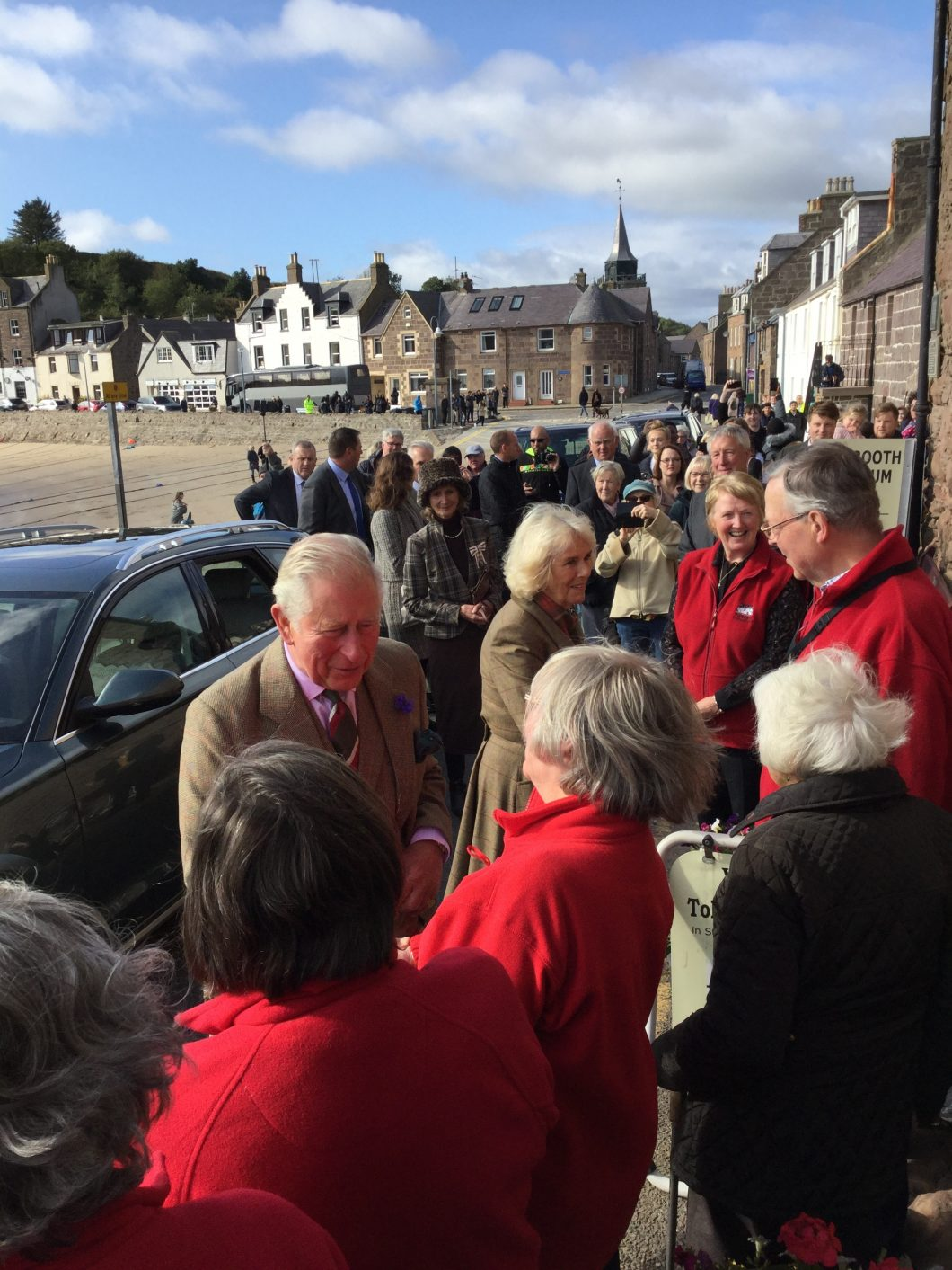 Royals greeting volunteers at Tolbooth